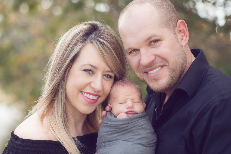 family-newborn-photography-outdoor
