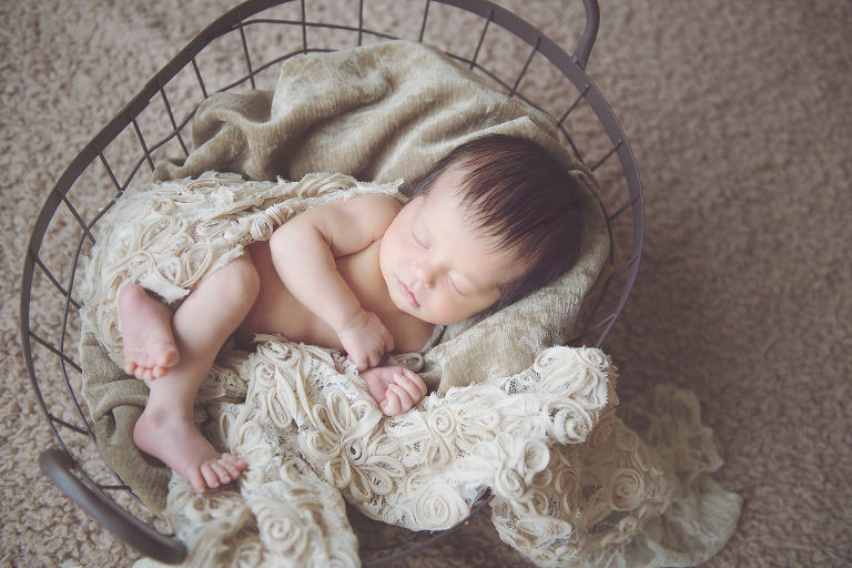 natural-soft-light-newborn-photography-parker-co